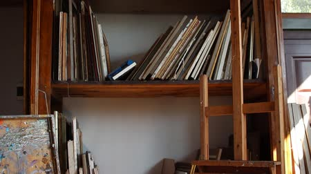 picture box : Studio organization. Storing and organizing art: paintings, drawings