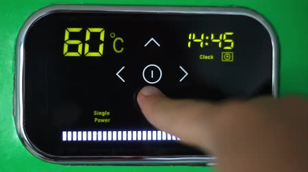 termostat : Programmable Thermostat. Touch Panel. Temperature Down. Electric water heater. Sensory board. Setting of the water temperature. Electronic control. Save money. Saving the family budget. Utility bills Wideo