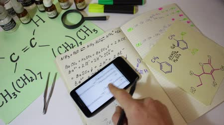 scholar : Chemical Equation On The Smartphone Screen