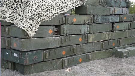 silahlar : Military Storage Containers with explosives Stok Video