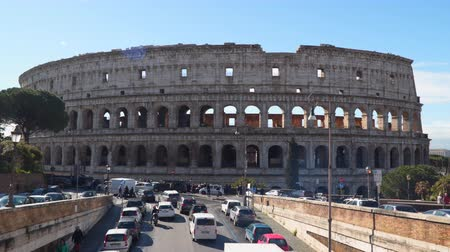 archeologie : Rome, Italy - March 21, 2018: Colosseum or Coliseum, Colosseum or Coliseum