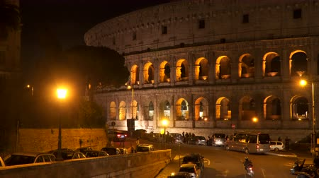 colosseo : Rome, Italy - March 21, 2018: Colosseum in Rome at night Stock Footage