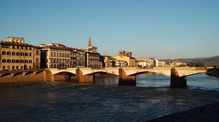 toscana : Bridge over the Arno River in Florence. Evening time