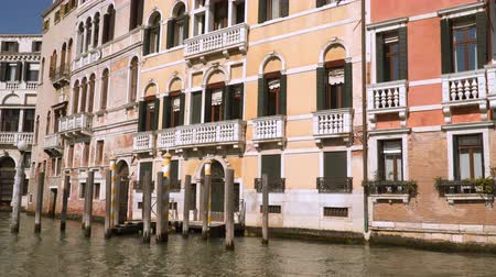 Венеция : Buildings along the Grand Canal in Venice Italy