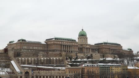 bástya : Buda Castle is the historical castle and palace of the Hungarian kings in Budapest