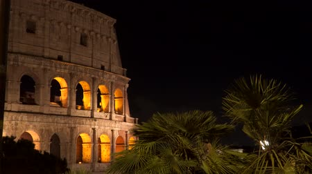 colosseo : Illumination of the Colosseum at night. Rome Italy