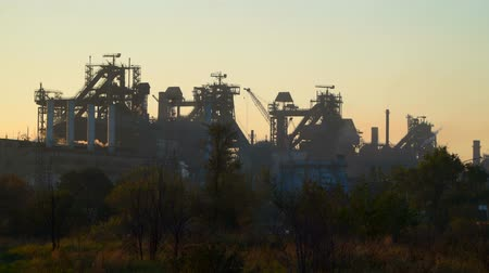 blast furnace : Blast furnaces against the sky, the sky at dawn Stock Footage