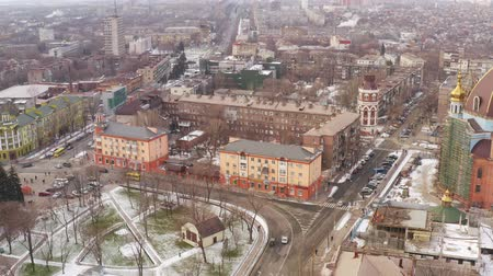 çatı : Aerial view of the winter provincial town. Mariupol Ukraine Stok Video