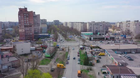 резидент : Mariupol, Ukraine - April 12, 2019: Streets and buildings of the city. Aerial view Стоковые видеозаписи