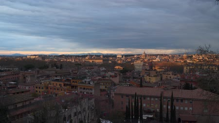 Итальянская культура : Sunset in Rome. Top view of the city of Rome. Italy Стоковые видеозаписи