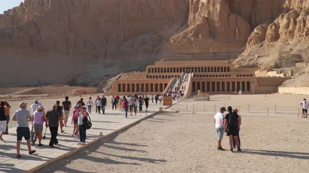 hieroglifa : Luxor, Egypt - January 16, 2020: The Mortuary Temple of Hatshepsut, is a mortuary temple of Ancient Egypt located in Upper Egypt. Stock mozgókép