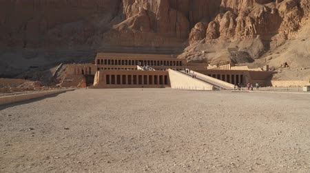 hieroglifa : The Mortuary Temple of Hatshepsut, also known as the Djeser-Djeseru in Luxor, Egypt.