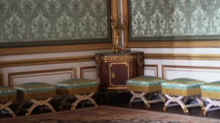 saray : 1555 Chairs in Corner Room Palace of Versailles  in France.mov Stok Video