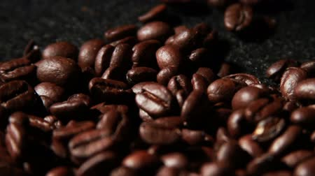 acorde : 1573 Coffee Beans in Slow Motion .mov