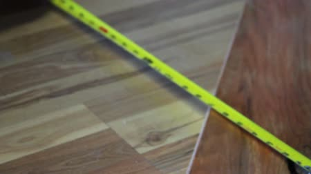 medir : 1148 Working on Hardwood Floor.mov