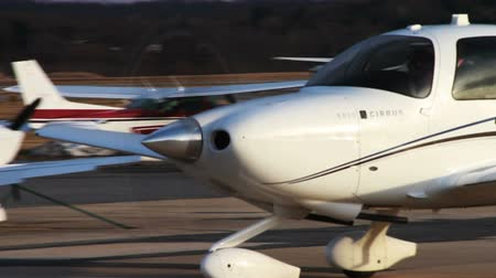 único : Airplane at Airport On its Way to the Runway Stock Footage