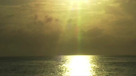 jídla : African Sunrise Over the Indian Ocean with Fishing Boat Dostupné videozáznamy