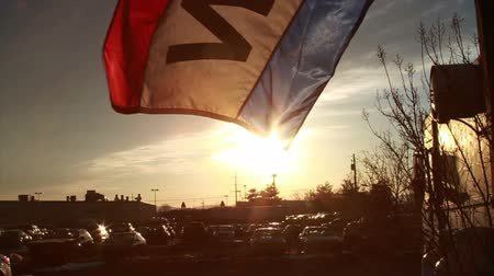 proti : 0832 Open Flag at Sunset, Slow Motion .mov