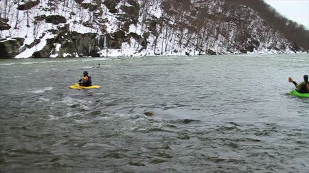 sportowiec : Kayaking Down River in Winter, Slow Motion
