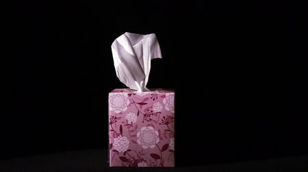 хорошее здоровье :   Pulling Tissues from Box in Slow Motion, Being Sick