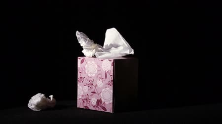хорошее здоровье : Throwing Tissues at Box in Slow Motion, Being Sick