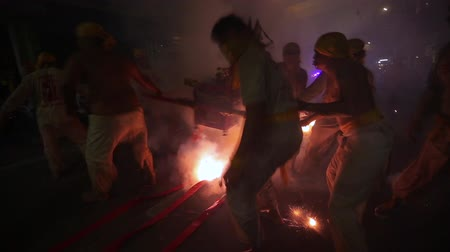 pronikavý : CHONBURI, THAILAND - SEPTEMBER 30, 2019: At night, The parade possessed by his god walking on fire in Vegetarian Festival also known as Nine Emperor Gods Festival.