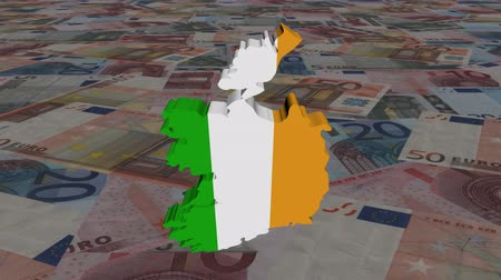 İrlanda : Ireland map flag with scrolling Euros animation Stok Video