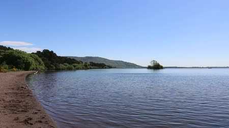 Burleigh Sands Loch Leven Escocia Archivo de Video