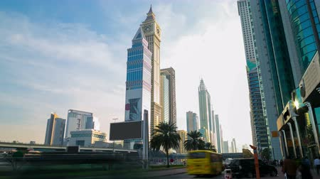 эмираты : sunny day time lapse from dubai main road