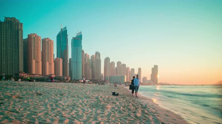 эмираты : beach side of dubai marina time lapse