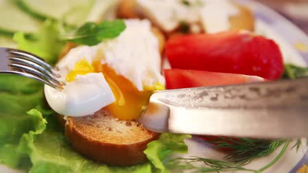 poached egg : French national meal :  Poached egg