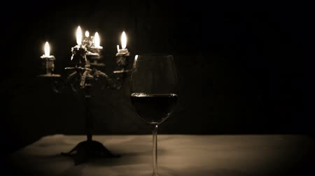 żyrandol : Romantic Night: Bottle of Red Wine, Glass with Candles Wideo