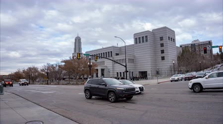 temetés : This time lapse was taking as people were entering the LDS Conference Center to attend the funeral of the Mormon Prophet and President Thomas S. Monson.  Can also be used for any events held at this venue.  Filmed on 12 January 2018 on a beautiful winter