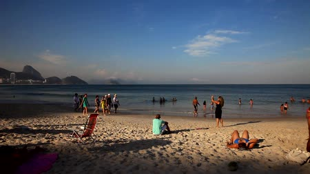 Рио : Copacabana Beach, Rio de JaneiroBrazil, September 07. Tourists from all over the world, come to COPACABANA BEACH, It is known for its 4 km balneario beach, which is one of the most famous in the world.