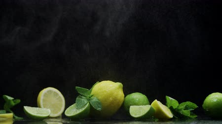 cítrico : Citrus fruit, lemon lime, fresh mint, cooling water droplets, awaiting to be prepared juicy cocktail Vídeos