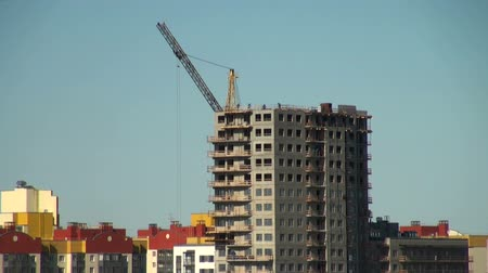uzun boylu : crane at a construction site