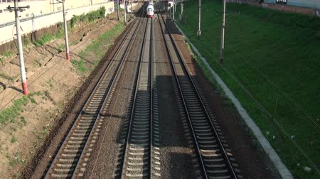 trilho : passage of trains on the railway