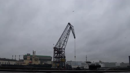 партия : Cranes in the port of