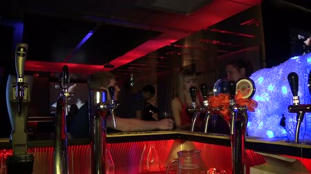 beer tap : Night club, visitors, restaurant, party. Stock Footage