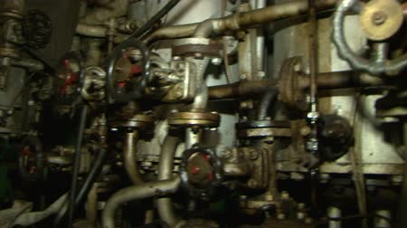 silnik : The engine room of the ship