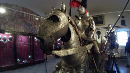 rycerz : A knight in armor on horseback 2.7K, 2704x1536 Wideo