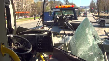 ubriaco : Incidente stradale con bus navetta. Tre video, filmati Filmati Stock