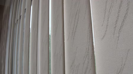 persiana : Window blinds, curtains