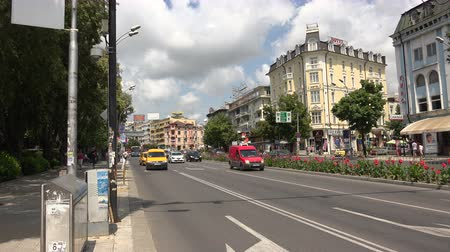 bulgarien : Varna. Bulgarien. Gebäude, Straßen, Bezirken. Shot in 4K (Ultra-High-Definition (UHD)), so dass Sie leicht zuschneiden, drehen und zoomen, ohne Qualität zu verlieren! Echtzeit.