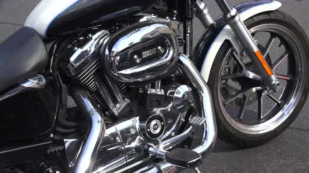 çerçeveler : Engine Harley Davidson bike. Shot in 4K (ultra-high definition (UHD)), so you can easily crop, rotate and zoom, without losing quality!  Real time. Stok Video
