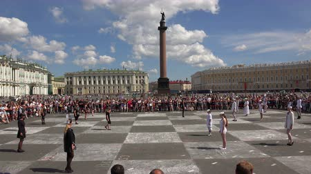 estratégico : Live chess. The Palace square. Saint-Petersburg. Shot in 4K (ultra-high definition (UHD)), so you can easily crop, rotate and zoom, without losing quality!  Real time. Stock Footage