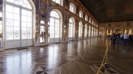 интерьер : Gorgeous rooms and interiors of the Catherine Palace in St. Petersburg.