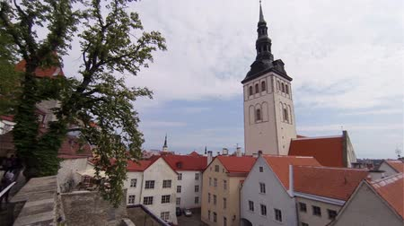 stare miasto : Old Tallinn. Architecture, old houses, streets and neighborhoods. Estonia. Wideo