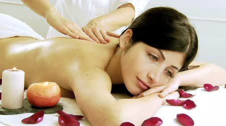 massages : Professional massagist doing back massage in spa