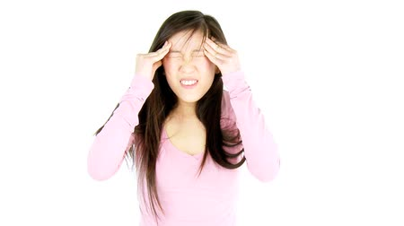 головная боль : Medium shot of Chinese woman with migraine